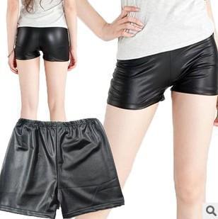 Las nuevas ventas de moda de verano en Europa y América. Cuero de mujer. Tres PANTALONES DE PANTALONES Pantalones cortos de seguridad. Pantalones cortos.
