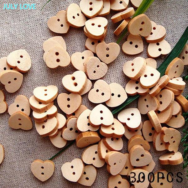Moda Doğal Dikiş Düğmeler Craft 300 adet / grup Kalp Şekilli Ahşap Düğmeler 2 Delik Scrapbooking Ürünleri Sıcak satış düğmeleri
