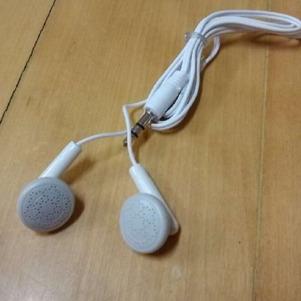 White earbuds MP3MP4 mobile phone headset into the computer sound card using radio etc.