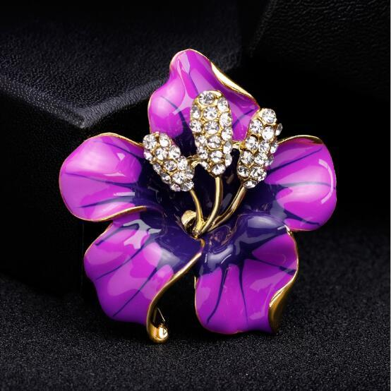 Crystal Flower Rose Brooches For Women Classic Gold-color Leaf Jewelry Red LoveGarment Accessories Mother's Day Gifts