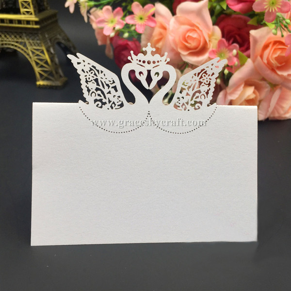 50 Pcs/Lot Pearlescent hollow Swans couple Laser cut Wedding Party invitation Table Decor Name Place Cards Table Name Message Greeting Card