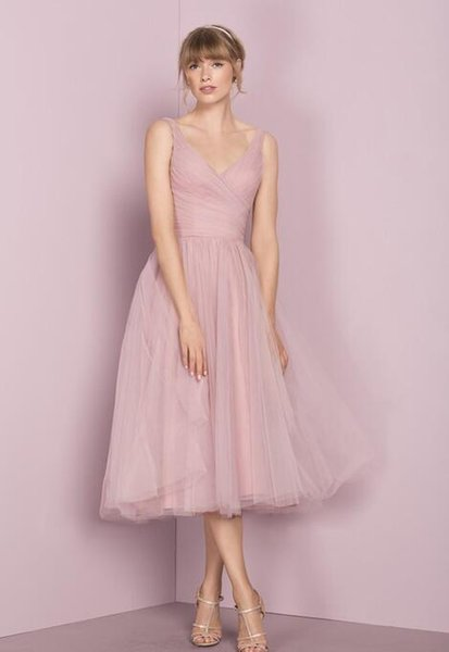 2017 Vintage Bridesmaid Dresses 1950\u0027S With Tea Length And V Neck Pleated  Tulle Cute Bridal Party Gowns Custom Made Bridesmaid Dresses China