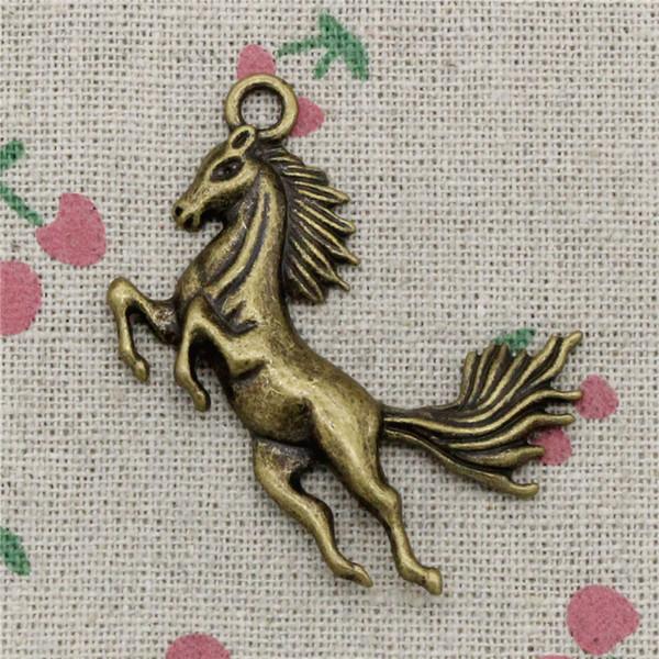 26 unids Encantos corriendo caballo 51 * 32mm Colgantes de Bronce Antiguo de La Vendimia Para La Joyería Que Hace DIY Collar de la Pulsera