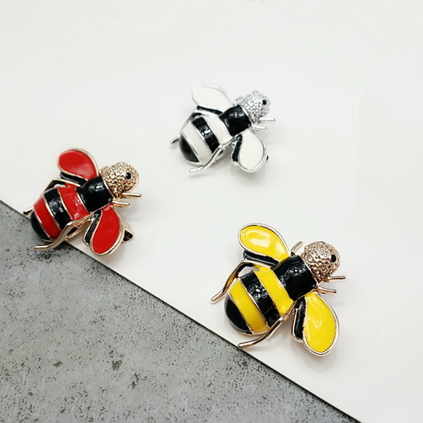 New Style Cartoon Bee Brooch Painting Handicraft For Man And Woman Alloy Brooch Stick Pin in 3 Colors Free Shipping