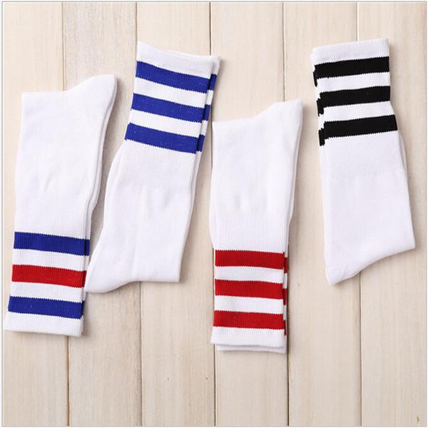 All'ingrosso I nuovi uomini / donne 3 tre strisce calzini di cotone Retro Old School Hiphop Skate Long Short Meias Harajuku nero invernale bianco freddo