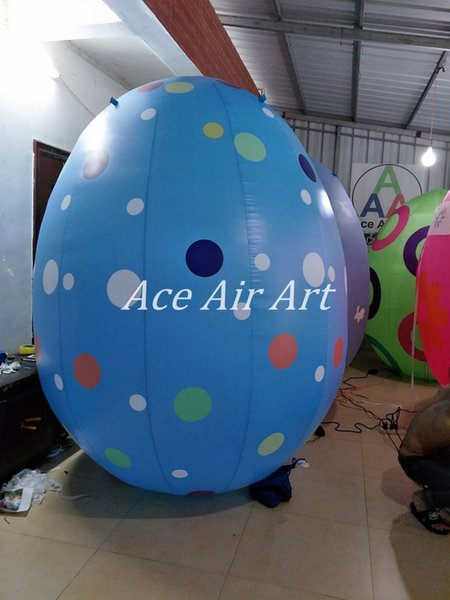 2.2m H Giant Baby Blue Inflatable Easter Eggs with colorful Dots for Pop Singer Katty Perry in California