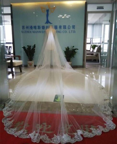 Pırıl pırıl Kristaller Boncuklu Katedrali Gelin Veils Aplikler Dantel Kenar Beyaz Bir Katmanlar Tarak Ekli Custom Made Uzun 4 M Ile Düğün Peçe