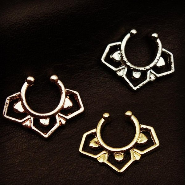 2017 Hot sale crystal fake septum nose ring fake piercing clip on body jewelry faux hoop nose rings for women mujer