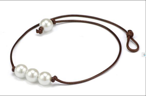 Braun Drei Perle