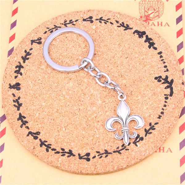 top popular Car Key Ring Pendant Silver Color Metal Key Chains Accessory Wholesale Free Shipping,Vintage fleur de lis Keychain 2020