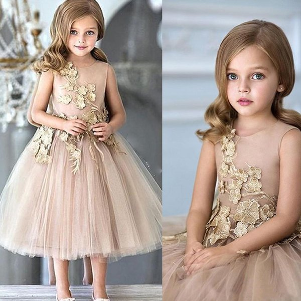 Hot Sale Flower Girls Dresses For Wedding Champagne Tulle Appliques Ankle Length A Line Pageant Gowns Zipper Back Communion Gown