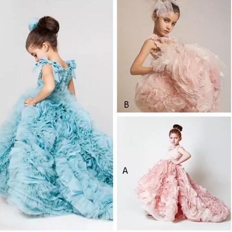 Blush rose filles Pageant robes robes de bal en cascade volants concepteur unique enfant Glitz Pageant robes de bal avec des fleurs à la main BO38