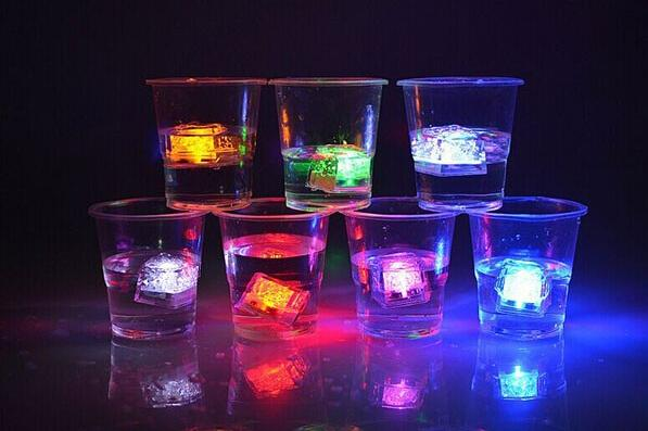 best selling Mini LED Party Lights Square Color Changing LED ice cubes Glowing Ice Cubes Blinking Flashing Novelty Party Supply