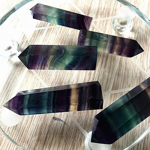 top popular Crystals Tower Quartz Points Natural Fluorite Rainbow Color Stripe Point Reiki Crystal Obelisk Wand Healing Chakra Stone Home Decor 10 sz B 2021