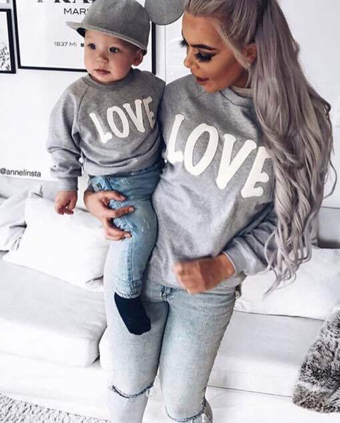 2017 Autumn Winter Family Matching Sweatshirt Sweaters Mom Mother and Baby Daughter Clothes LOVE Pringing Mama Family Clothing