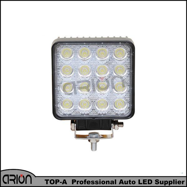 Luz de trabajo de alta potencia 48W Venta caliente 12V LED Luz de campo a través de 60 grados Redondear Trabajo en carretera LED para canotaje Caza