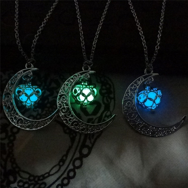 best selling The moon Heart Necklace Noctilucence Glow in the Dark Essential Oil Diffuser Necklace Lockets Chains Pendant Jewlery for Women Drop Shipping