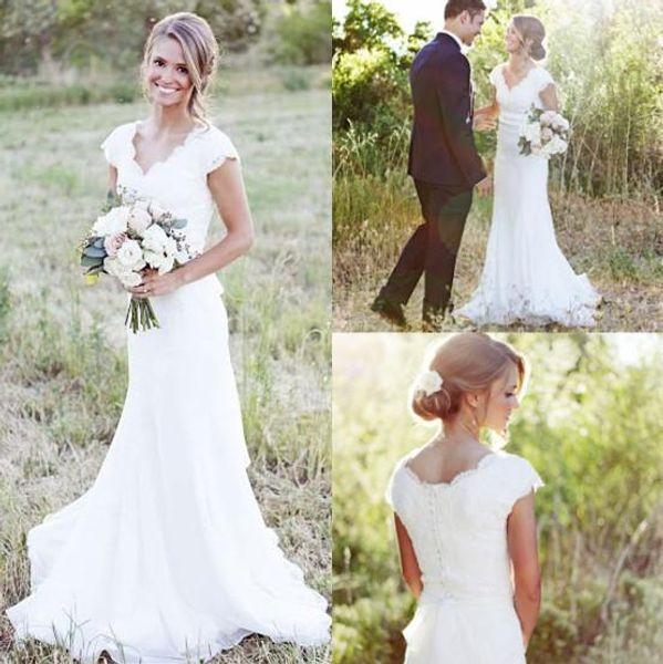 Elegante Land Spitze Brautkleider Meerjungfrau V-Ausschnitt Flügelärmeln Modest Hochzeit Brautkleider Boho Beach Covered Button Günstige