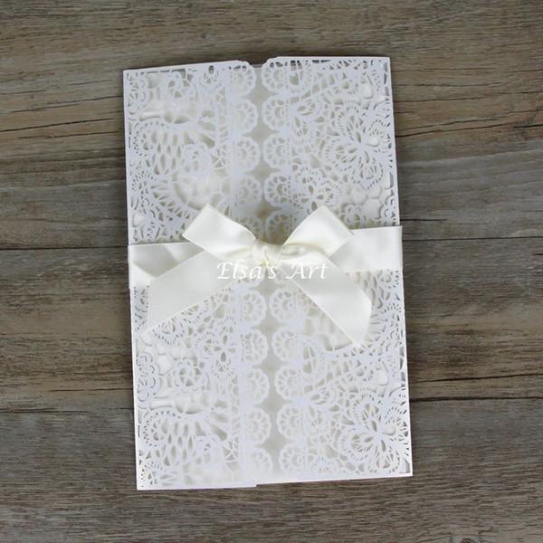 Toptan-Ücretsiz kargo 30 adet / grup Zarif Beyaz Hollow Çiçekler Düğün Davetiye Zarf ile, Yay Mühür, boş iç kart