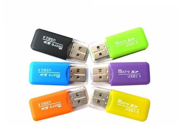 Micro SD Card Reader Micro adattatore per PC Computer tramite interfaccia USB TF Flash Memory Card Lettore di schede di memoria USB2.0 ad alta velocità