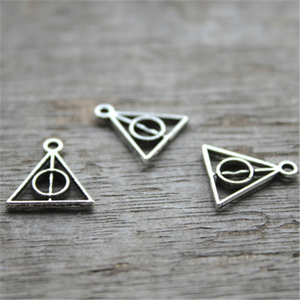 60pcs--Triangle Charms, Antique silver Mini Triangle Charm Pendants, jewelry making 13X13mm