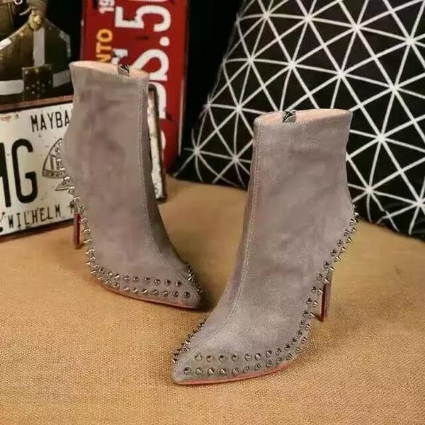 Moda Sexy Mulheres Red Bottom High Heel 100mm Ankle Boots Rebite Designer de Salto Fino Botas Curtas Sapatos para Mulheres Calçados Femininos de Inverno