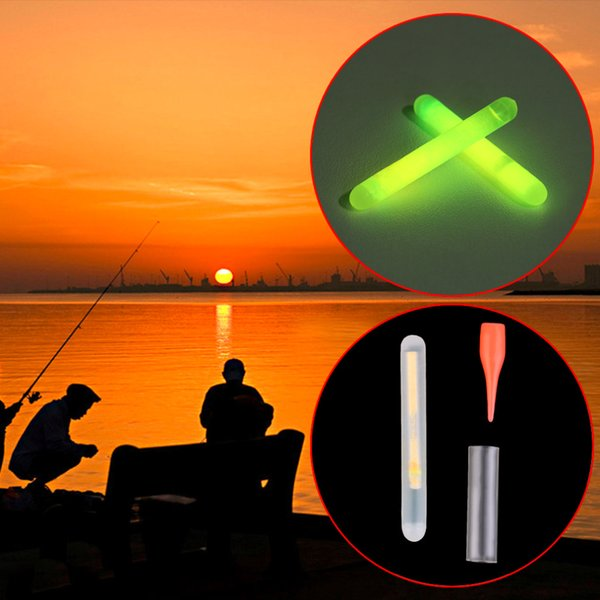 Toptan-Iyi anlaşma yeni 15 adet / KUTU Balıkçılık Floresan Lightstick Işık Gece Şamandıra Koyu Glow Stick Üzerinde Klip