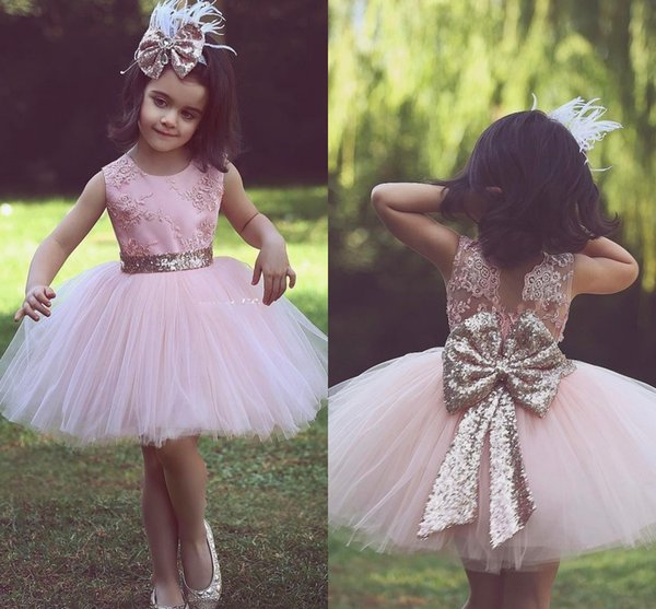 Cute Pink Short Flower Girl Dresses For Country Wedding Party Bog Sequined Bow Tutu Crew Neck Lace Baby Child Birthday Formal Dresses