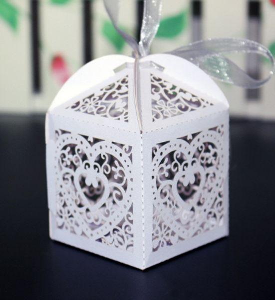 الحسنات علب حلوى الزفاف الأبيض الوردي الجوف الهدايا الإحسان التفاف ورقة حب القلب الشوكولاته صندوق حامل اللقب هدية التفاف جديد