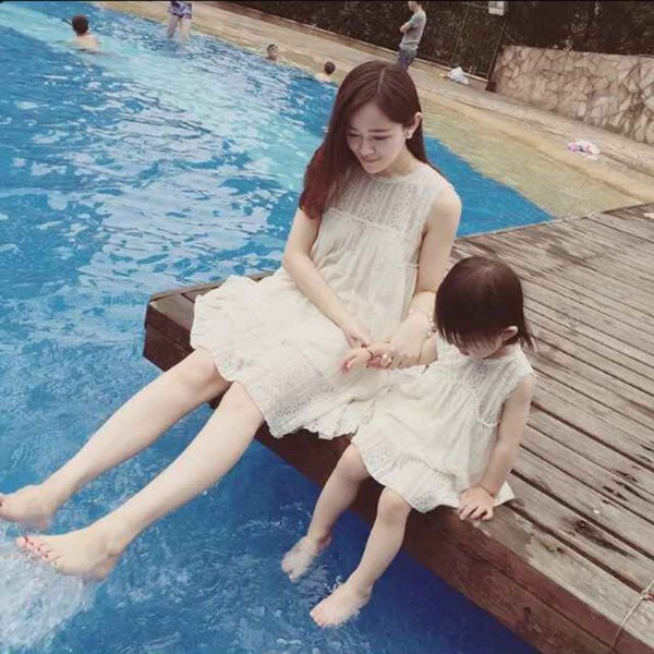 2017 Summer Mother Daughter White Lace Dresses Family Clothing Mom and Daughter Dress Family Matching Outfits Dress for Kids and Women Gift