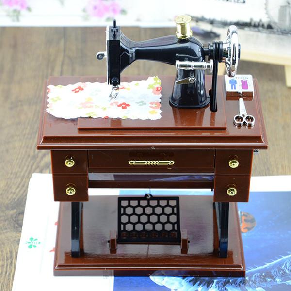 Rétro Vintage machine à coudre boîte à musique boîte à musique printemps main créative haute simulation modèle cadeau