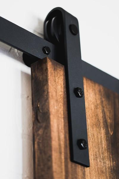 best selling Classical Rustic Antique black wooden sliding barn door hardware Interior American sliding barn door track roller kit