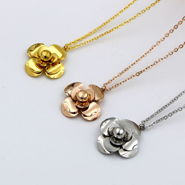 Wholesale Camellia Pendant Necklace Women Female Fashion Necklace Rose Gold Plated Flowers Chain Pendants Titanium Jewelry Gift