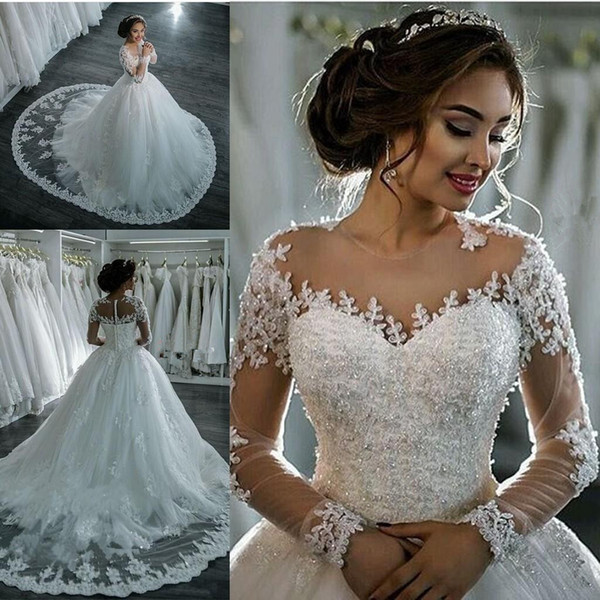 De luxo Mangas Compridas Vestidos de Casamento Dubai Apliques de Renda Puffty Barato Frisado Sheer Neck Catedral Trem Vestido De Noiva País Boêmio Spark