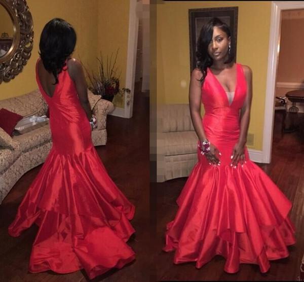 Katmanlı Kırmızı Saten Mermaid Gelinlik Modelleri 2K17 Amerikan Afrikalılar Yeni Parti Abiye V Boyun Backless Kat Uzunluk