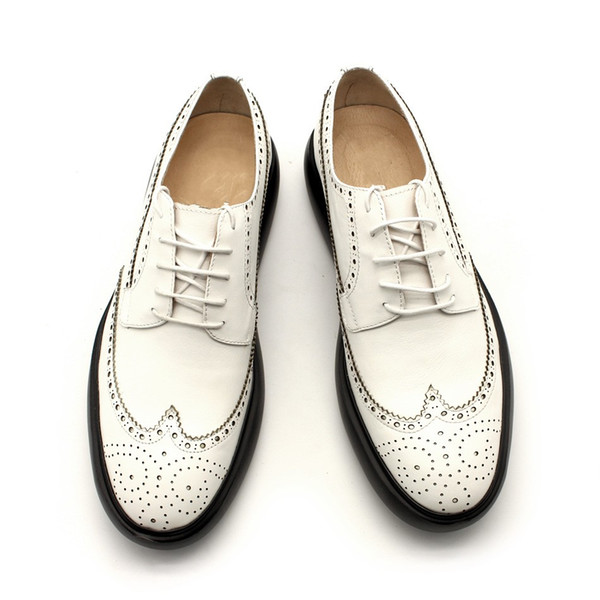 Branco Preto Brogue Mocassins Sapatos Soltos Homem Primavera Verão Sapatos de Negócios Formais Alto top Artesanal De Couro Genuíno Zapatillas