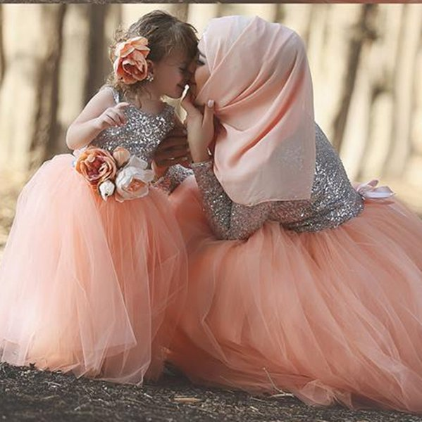Cute Muslim Flower Girls Dresses For Weddings Sparkly Sequin Tulle Ball Gowns Toddler Cupcake Floor Length Baby Pink Girls Pageant Dresses