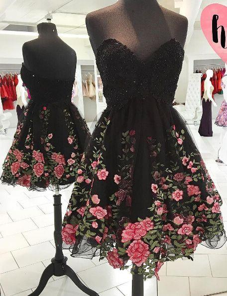 2017 New Sexy Black Sweetheart Tulle A Line Cocktail Dresses Floral Embroidery Beaded Top Short Party Evening Prom Dresses