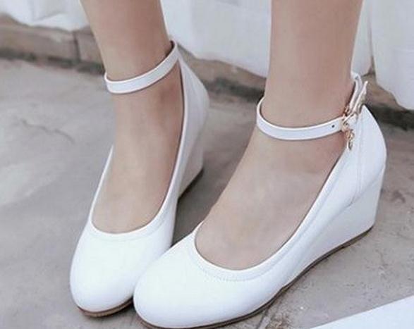 Slope documentaire chaussures femme Un mot boucle ronde tête Les quatre saisons de chaussures Chaussures de dame douce FuRuiSource