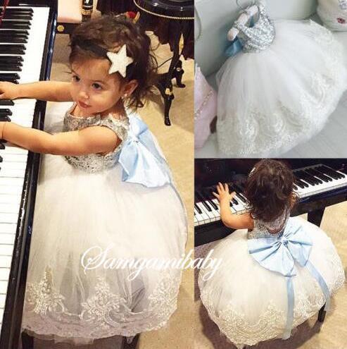 Ins Baby Girls Party Dress Bambini Paillettes Bowknot Pizzo Tulle Tutu Ball Gown Principessa Abiti eleganti Abbigliamento per bambini