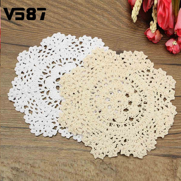 Wholesale- Vintage Cotton Yarn Table Mat Coasters Round Hand Crocheted Lace Doilies Home Dining Table Decorative Accessories Fabrics