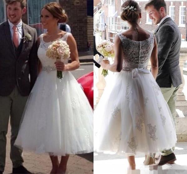 Vintage 2016 Short Wedding Dresses Cheap Scoop Neck Lace Appliques 50s  Style Retro Tea Length Plus 1b63a1d2bb04