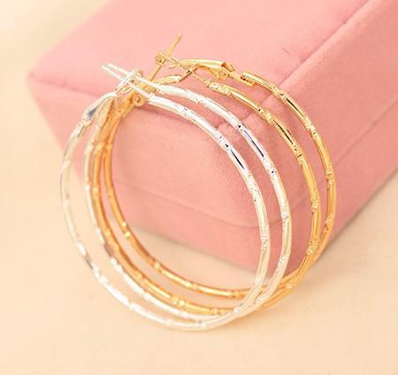 top popular Hot Charm Earings Ear Stud Earing Jewelry Accessories Simple Earing Hoop Huggie Smooth Circle Earrings Golden Silver Plated Ear Acc Eardrop 2019
