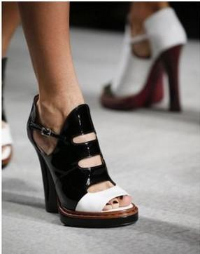 2017 Western Style Summer Fashion Week Catwalk Shoes Leather High-heeled Womens Sandals Mixed-color Chunky heel Slippers
