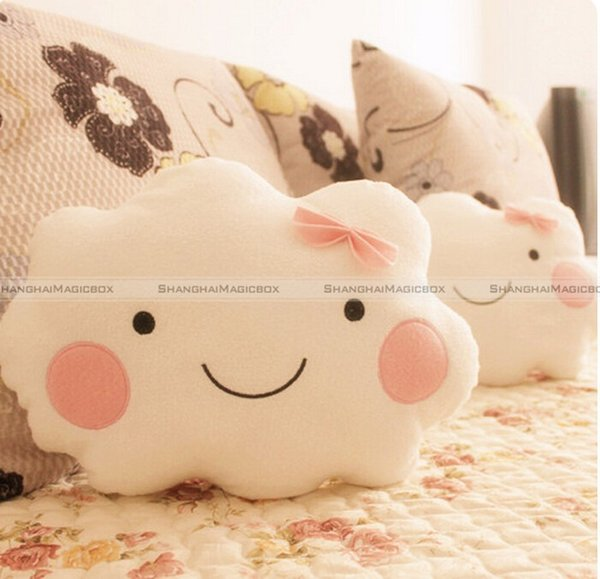 All'ingrosso ShanghaiMagicBox Cute Smile Clouds Cuscino peluche Cuscino Shy Girl Pink Bow Sweet Couch Cuscino 40814309