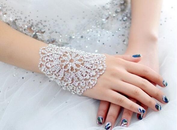 Full Rhinestone Flower Bracelet Crystal Bridal Wedding Bracelet Luxury Hollow Flower Wristband for Women Party Jewelry