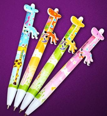 manufacturer sells qiqi department store to the South Korea creative stationery cute cartoon animal giraffe plastic press the ballpoint pen
