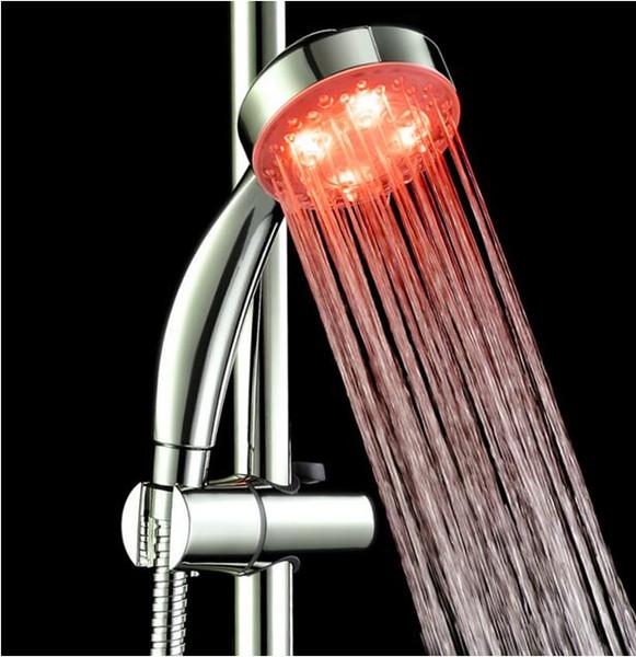 La couleur de la salle de bains lumineuse changeante automatique de RVB LED s'allume dans l'obscurité Aucune batterie n'a mené la puissance de flux de pluie de pommeau de douche