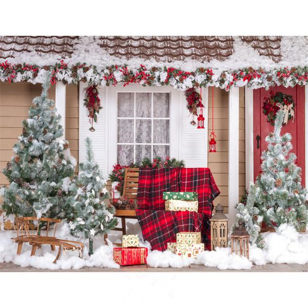 Açık Kış Kar Sahne Fotoğraf Arka Planında Düşkün Stüdyo Fotoğraf Dekore Ev Noel Ağaçları Sandalye Hediye Kutuları Mutlu Noeller Arka Plan