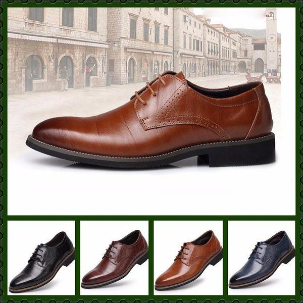 Uomo British Designer Fashion Casual Scarpe formali per uomo in vera pelle uomo Homecoming Wedding oro Mens borchiato rivetti mocassini Groom scarpe